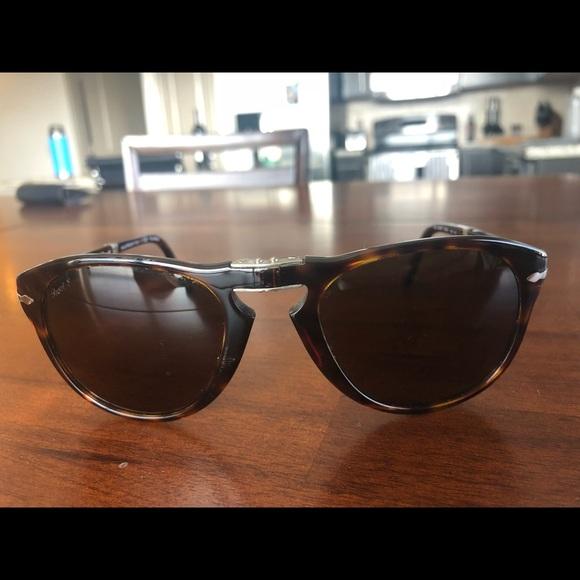 779e2859b963 Persol PO0714 Folding Sunglasses. M_5ba81132409c153b9fb9617a